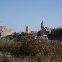 El Catllar - kostel a hrad z turistické trasy