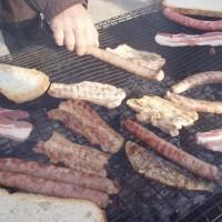 Slavnost olivového oleje - grilování ryb, slaniny a klobásek