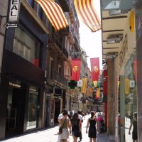 Katalánské vlajky vlajou nad městem!