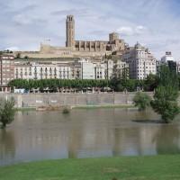 Lleida - katedrála a rozvodněná Riu Segre