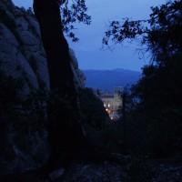 Sestup ke klášteru Montserrat za stmívání