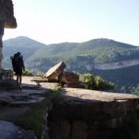 Chůze po skalní římse vedoucí z vesničky Siurana