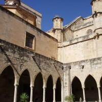 Tortosa - nádvoříčko u katedrály Santa Maria