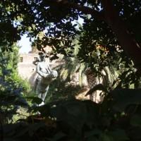 Tortosa - Jardíns del Princep, ve kterých se nachází souložící sochy
