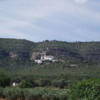 Ermita de la Pietat; vlevo od Ermity se nachází na skále jeskynní malby