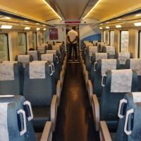 Interiér regionálního vlaku v Katalánsku